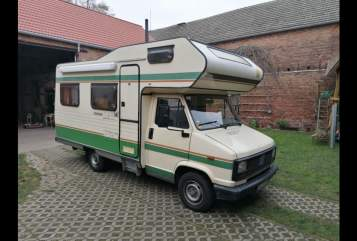 Hire a campervan in Berlin from private owners| Fiat Elke