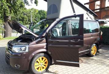 Hire a campervan in Panketal from private owners| VW Volkswagen Wanda (4x4)