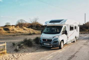 Hire a campervan in Poole from private owners| AutoRoller AutoRoller 707