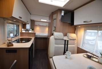 Hire a campervan in Panningen from private owners| Carado Carado V339 2p