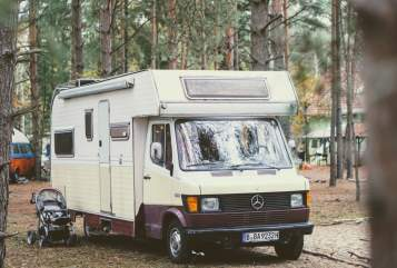 Hire a campervan in Berlin from private owners| Mercedes-Benz Lieselotte