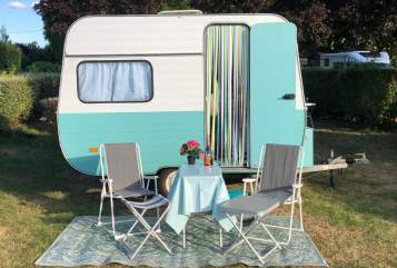 Hire a campervan in Oegstgeest from private owners| Adria De Charlotte