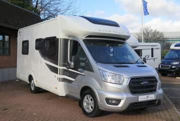 Hire a campervan in Birmingham from private owners| Ford Tom