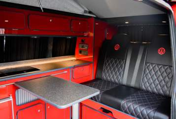 Hire a campervan in Leeds from private owners| VW Lars