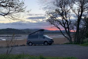 Hire a campervan in Reigate and Banstead from private owners| Vw Gracie