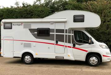Hire a campervan in Uttoxeter from private owners| Fiat H2