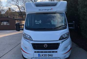 Hire a campervan in Uttoxeter from private owners| Fiat H3