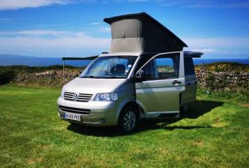 Hire a campervan in Solihull from private owners| VW  Hello Campers