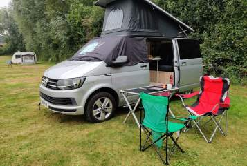 Hire a campervan in Brighton from private owners| VW CampyMcCampface