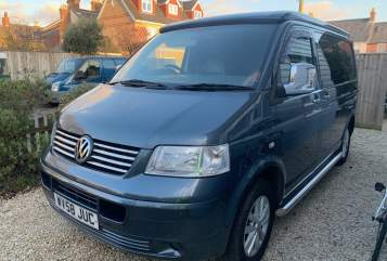Hire a campervan in Lymington from private owners| VW Arlo