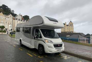 Hire a campervan in Stockport from private owners| Roller Team Roller Team 746