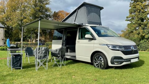 Hire a campervan in Wetherby from private owners| Volkswagen Belle