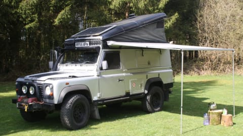 Hire a campervan in Wellington from private owners| Land Rover SIlver Belle