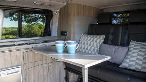 Hire a campervan in Bournemouth from private owners| VW PJ