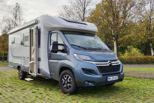 Hire a campervan in Hamburg from private owners| GIOTTILINE IL CAMPER