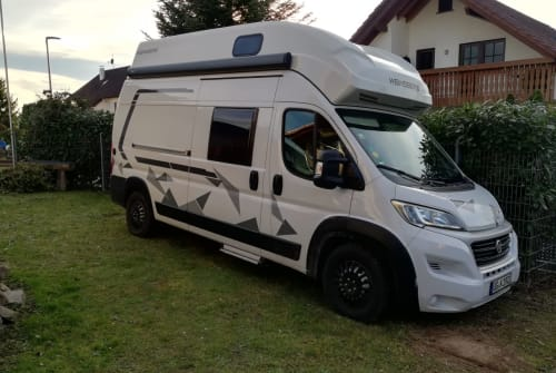 Hire a campervan in Appenweier from private owners| Weinsberg Carabus Cityplus Autark