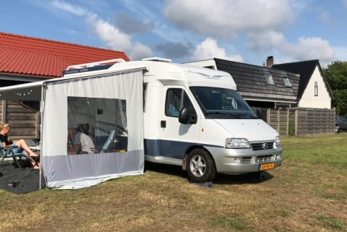 Hire a campervan in Breezand from private owners| Hobby Hobby 600