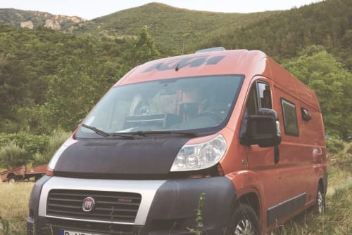 Hire a campervan in Lissabon from private owners  Fiat Ochi