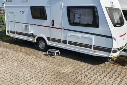 Hire a campervan in Frankfurt am Main from private owners| Dethleffs Bruno