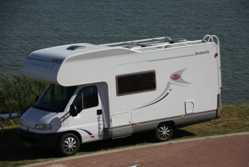 Hire a campervan in Makkum from private owners| Fiat Ducato Dethleffs