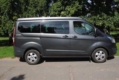 Hire a campervan in Frankfurt am Main from private owners| Ford Speedy