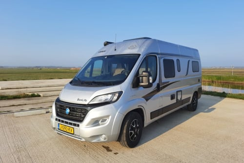 Hire a campervan in De Waal from private owners| Fiat Knaus BoxLife 600 ME Knaus Buscamper