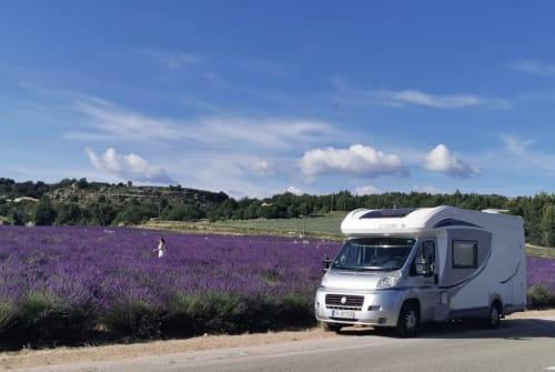 Hire a campervan in Sprockhövel from private owners| Chausson Max