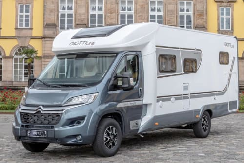 Hire a campervan in Hamburg from private owners| Giottiline Grey Hound