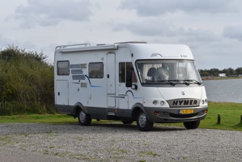 Hire a campervan in Breskens from private owners| Hymer Happy home