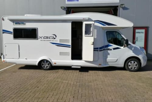 Hire a campervan in Dronrijp from private owners| XGO B-type