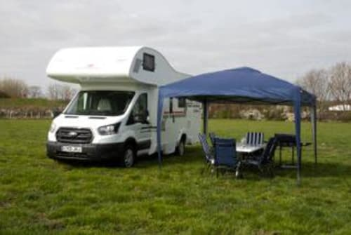 Hire a campervan in Rayleigh from private owners| Rollerteam Madonna