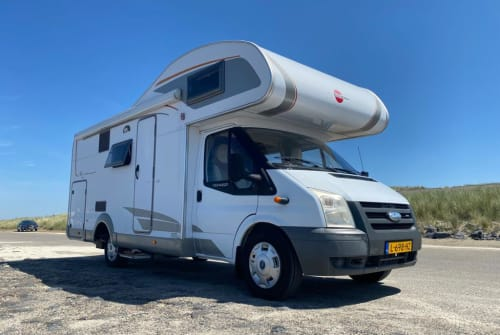 Hire a campervan in Heinkenszand from private owners| Ford Happy Camper