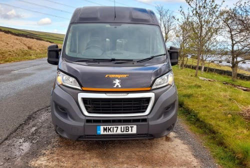 Hire a campervan in Rochdale from private owners| Peugeot MK17