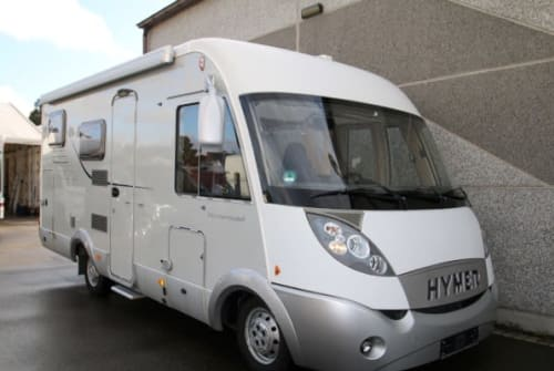 Hire a campervan in Middelburg from private owners| Hymer Hymer