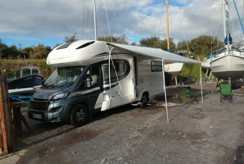 Hire a campervan in Bolton from private owners| Autotrail Billie