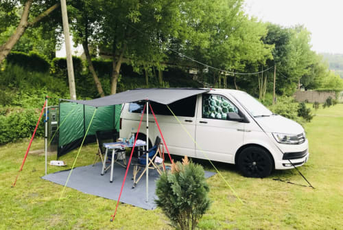 Hire a campervan in Frankfurt am Main from private owners| VW Bello