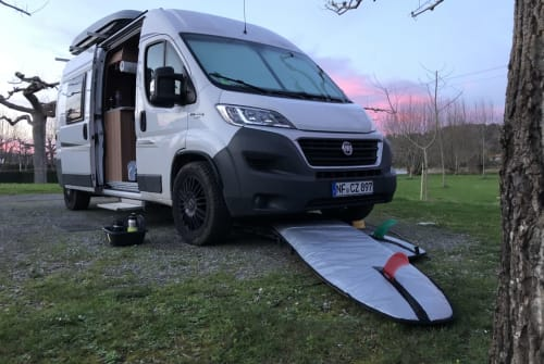 Hire a campervan in Sylt from private owners| Weinsberg Carabus