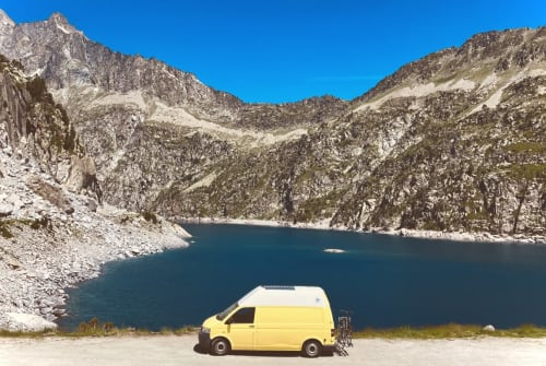 Hire a campervan in Köln from private owners| VW T5  Trude