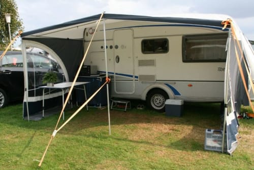 Hire a campervan in Lüneburg from private owners| Tec caravan Travelbird