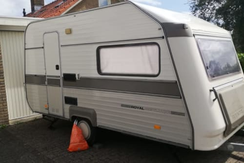 Hire a campervan in Middelburg from private owners| Avento Royal 395 TL