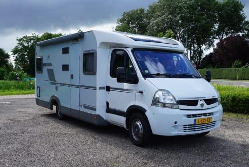 Hire a campervan in Aagtekerke from private owners| knaus  de zeppelin