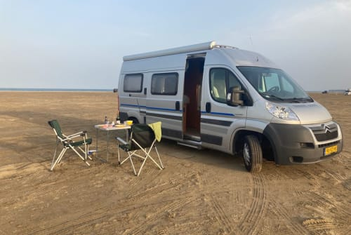 Hire a campervan in Egmond aan Zee from private owners| citroen Luxe BUS CAMPER