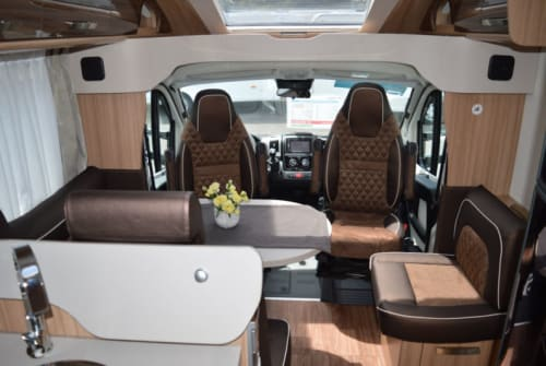 Hire a campervan in Sylt-Ost from private owners| Knaus Knausi