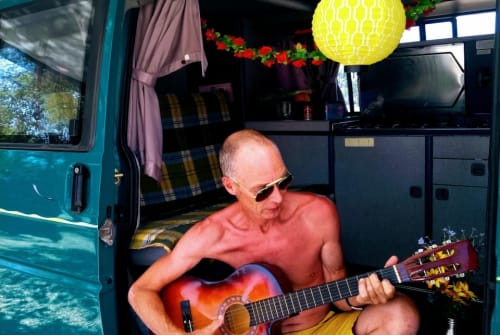Hire a campervan in Lissabon from private owners  Volkswagen T4 2.4D Richie